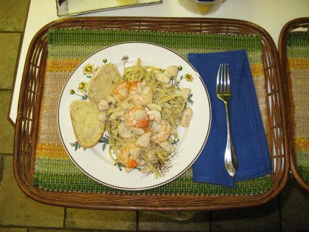 Crouton's Chicken & Shrimp Fettucini Alfredo